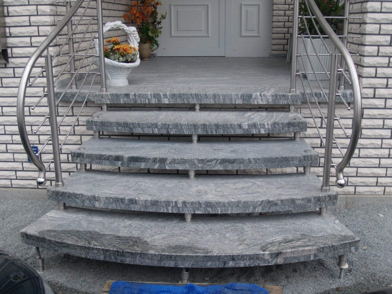 Cennik schodów granitowych