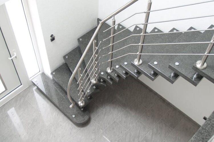schody-wewnetrzne-marmurowe-11