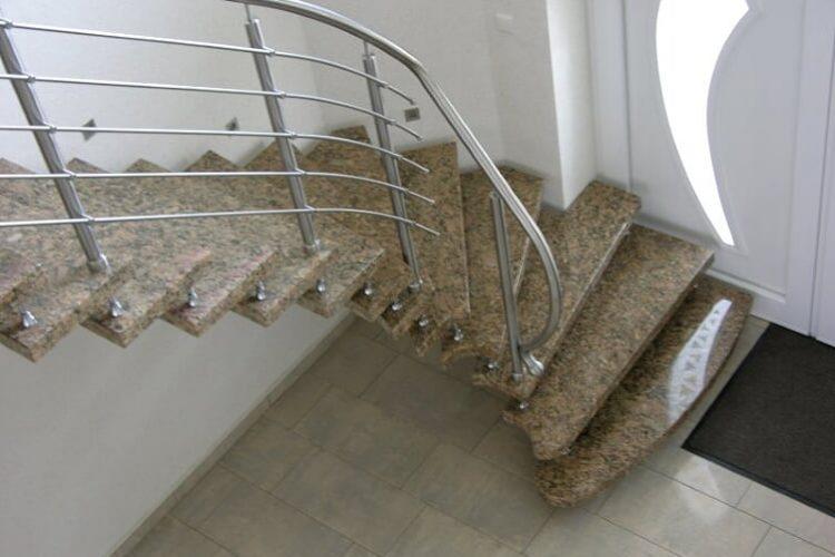 schody-wewnetrzne-marmurowe-14
