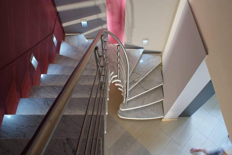 schody-wewnetrzne-marmurowe-9